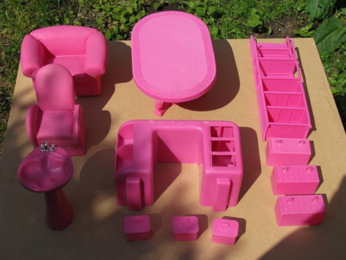 Painting Plastic Furniture With Krylon Fusion Spray Paint